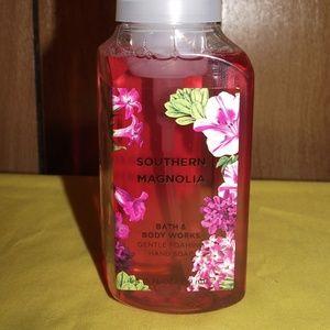 B & BW Southern Magnolia Hand Soap (NWT)